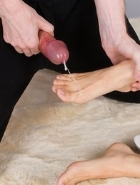 Ryo Yuuki lets this dude fuck her shoes and her feet before he blows that load