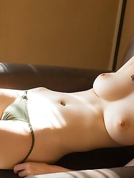 Passionate Asian babe Erika Kirihara shows her breasts