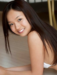 Mayumi Yamanaka shows curves in lingerie after striptease number