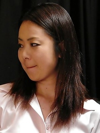 Nanako Misaki pleases her partner