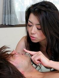 Sayuri Shiraishi pleases herself