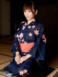 You�ll never forget the striptease tricks of Honami Uehara