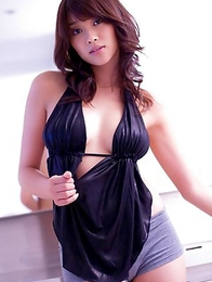 Mikie Hara Asian in shorts washes her big boobs over sexy dress