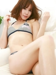 Ai Kumano in bath suit finds erotic ways to show her curves